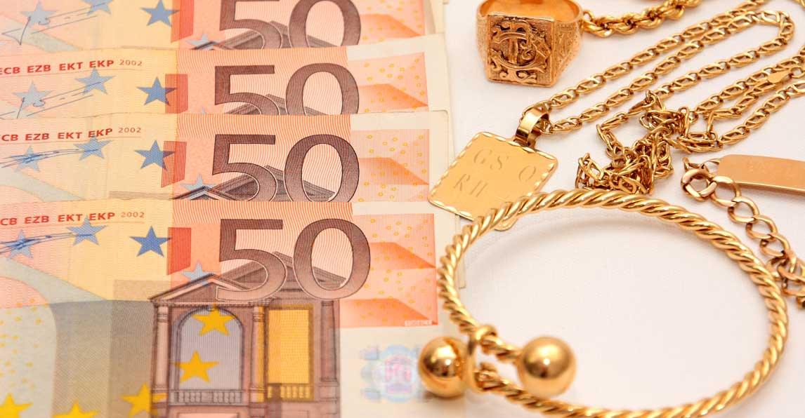 Schmuck und Bargeld