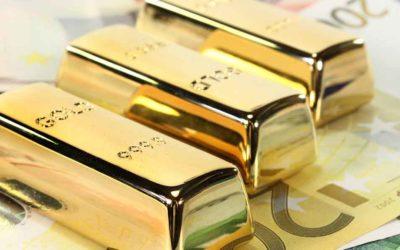 Goldbarren und Bargeld